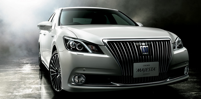 2014 Toyota Crown Majesta (1)