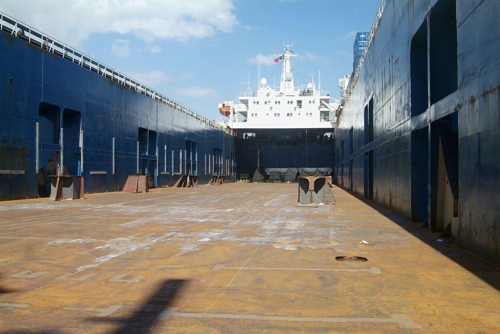 Keunggulan Jasa Pengiriman Mobil Antar Pulau dengan Kapal Ro-Ro 2