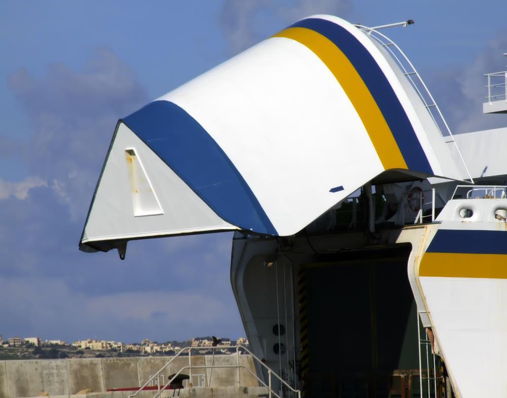 Keunggulan Jasa Pengiriman Mobil Antar Pulau dengan Kapal Ro-Ro